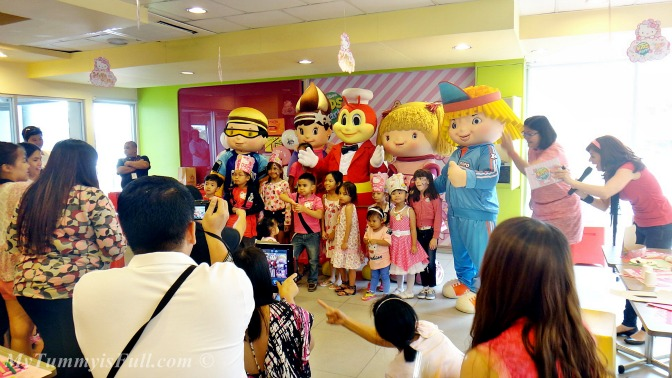 Feathered Friends Jolly Foods Celebrations: Celebrate A Hello Kitty Birthday With Jollibee Kids Party