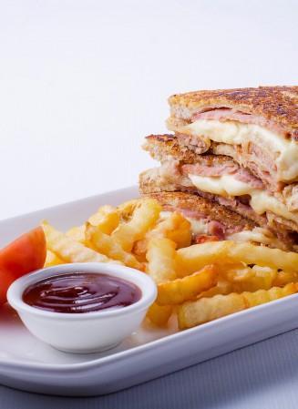king sue monte Cristo sandwich